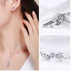 Jewelry - New - Fairy Wings Necklace and Earrings Set